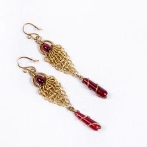 Chain-vale-earrings-pic1