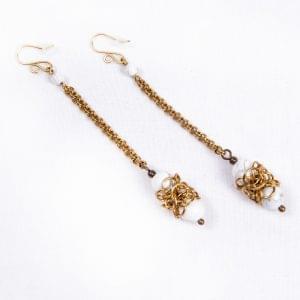 Oriental-White-earrings-main