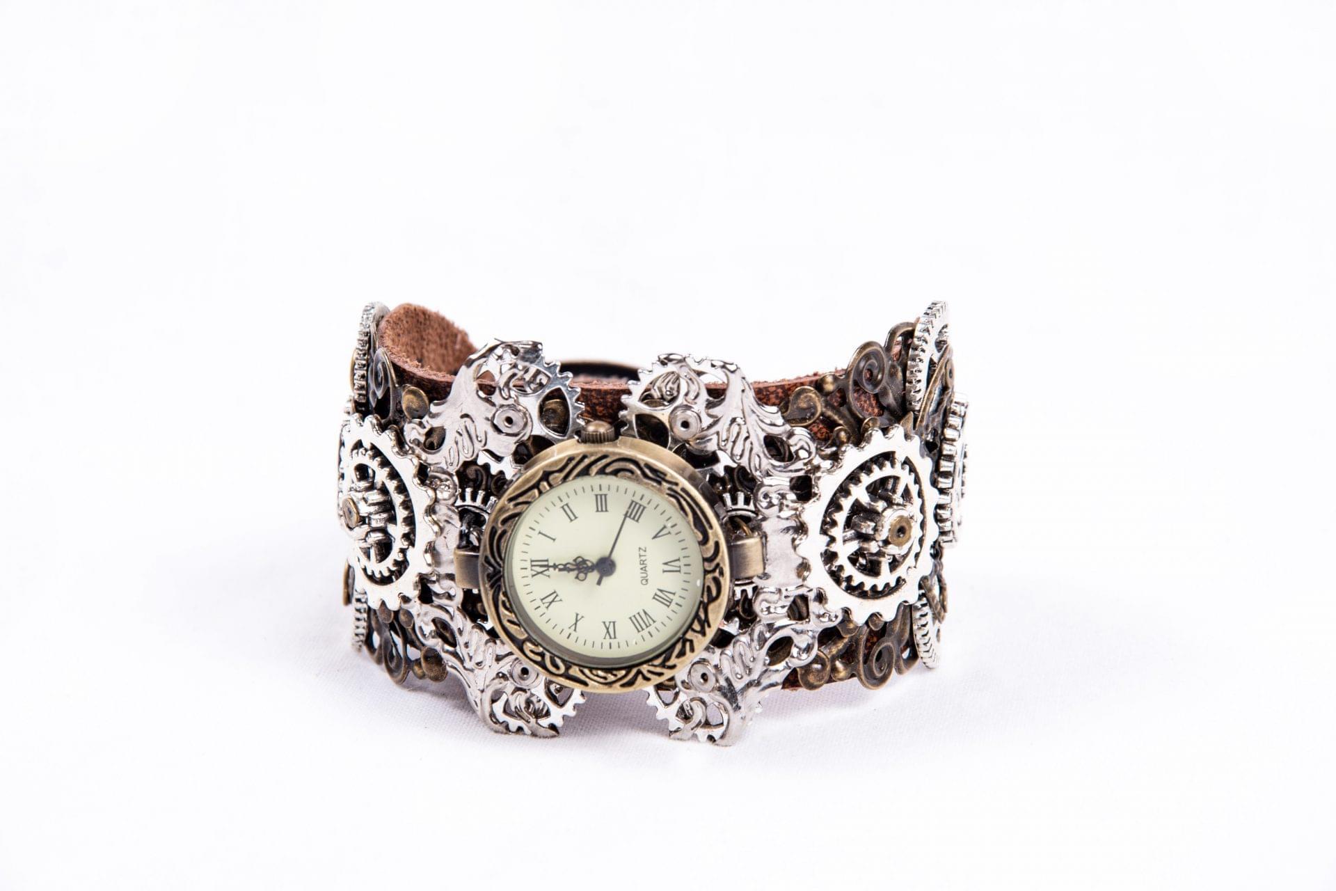 Steampunk-Watch-bracelet-pic1